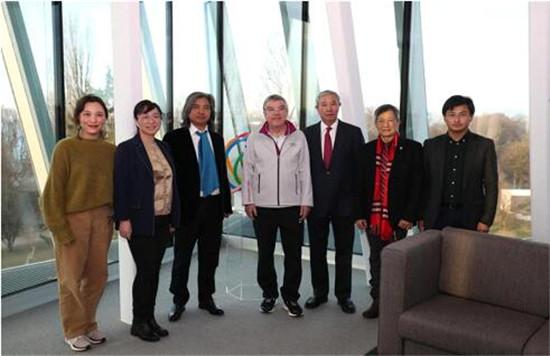 国际奥委会主席巴赫瑞士洛桑会见中国艺术家代表团